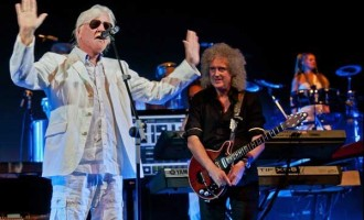 Tangerine-Dream-Edgar-Froese-with-Brian-May-Tenerife2011-press1-lo-res